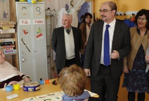 El Gobierno de Javier Lambán atiende a 9.000 dependientes más en dos años y trabaja en la eliminación de las listas de espera