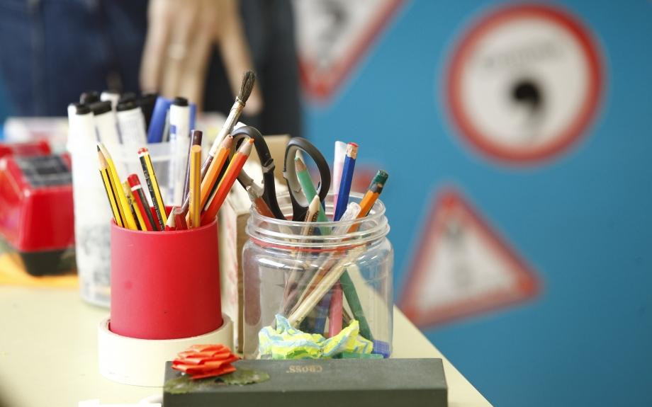 Más de 28.000 alumnos aragoneses tendrán beca de comedor o material ...