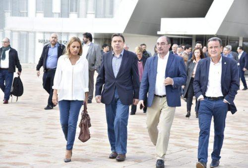 Lambán aplaude que por fin haya un Gobierno en España, el de Pedro Sánchez, que entiende que la despoblación es un problema de Estado
