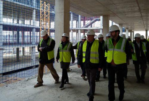 Ventura destaca que el nuevo hospital de Alcañiz es ya una realidad durante su visita a las obras del mismo