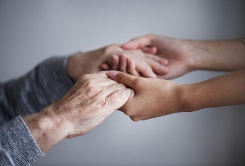 Más de 33.000 personas reciben ayudas a la dependencia en Aragón, el doble que en 2015