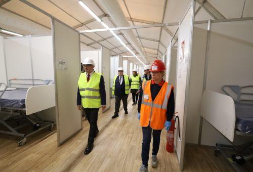 El segundo hospital de campaña en la Feria de Muestras toma forma, gracias a la colaboración institucional
